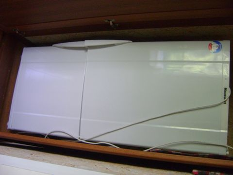 Полностью укомплектована мебелью и бытовой техникой. В наличии: диван раскладной (2шт.), 2-х спальная кровать, кресло (2шт.), телевизор, стенка, гладильная доска, утюг, стулья. Кухня: угловой кухонный гарнитур, эл.чайник, 2-х камерный холодильник, ми...