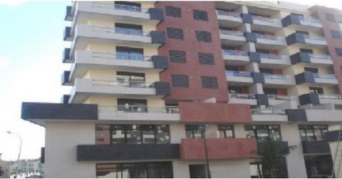 Office with 153 m2 and 3 parking spaces, inserted into centre of offices/stores, intended for trade and services, with very good location in Miraflores, close to public transport, shopping centre, Police and schools. Entered into the venture compound...