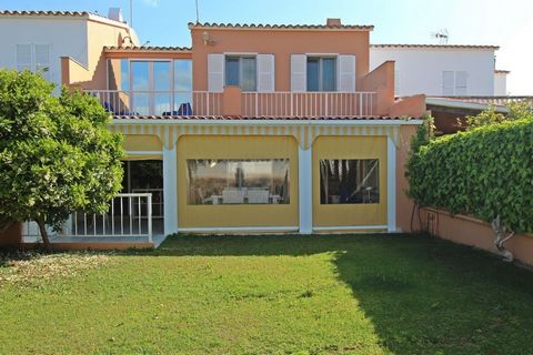 IMPECCABLE HOUSE WITH LARGE GARDEN IN SANTA ANA Beautiful and very well-kept property located in the prestigious urbanization of Santa Ana, a few metres from the charming fishing port of Calasfonts and just a few minutes drive from Mahon. Of 162 m2 v...