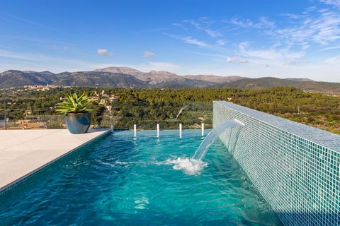 Welcome to this breathtaking and modern house in Búger, with private pool and space for 8 guests. The exterior area of this stunning town house is a dream come to true. There are two great terraces where you can relax. One of them is perfectly ready ...