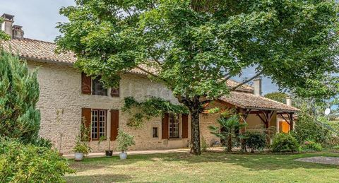 This super attractive stone property is located in a hamlet, situated in between the lovely market towns of Lezay and Chaunay, with easy access to the N10 making the cities of Poitiers or Angouleme just a 30 min drive. Incredibly spacious with 337m2 ...