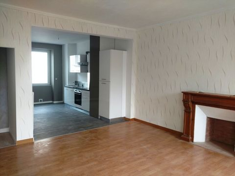 BREST - RECOVERY. Ref G1280. Located near the CAPUCINS, quiet and close to amenities and the tram, alone on the first floor of a small condominium with a lot of charm and well maintained, come and discover this furnished T4 apartment of 95sqm very br...