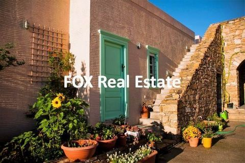 SYROS, Malia, a 174sqm detached villa on a 1.600sqm lot with remaining building rights for another 80sqm building, just 5km away from Ermoupolis. It consists from one main 100sqm house with living room, an open plan kitchen, 2 master bedrooms with en...