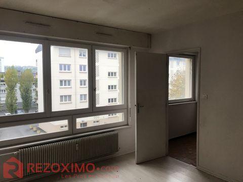 Appartement comrenant 1 piece cuisine salle de bain xc renové et loué pour le moment 380 e par mois plus 80 e de charges soit 460 e Surface CARREZ :