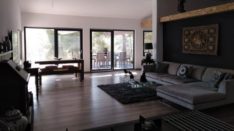 Beautiful 3 Bedroom Rural House in Monovar Spain Euroresales Property ID- 9825378 Property Information: This peaceful retreat at the foot of the Monte Coto National Park commanding beautiful views of the mountains and set in pine forest with vineyard...