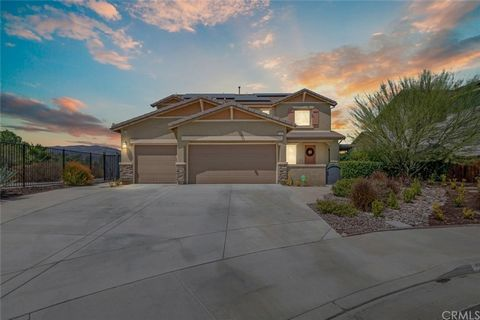 This Spectacular NEXTGEN Home made by Lennar has TWO HOMES UNDER ONE ROOF !!!!! Complete Suite with private entrance with a full Bedroom and bath, Laundry, Kitchen & Family Room!!! This Phenomenal home has $120 k in ultimate upgrades which are notice...
