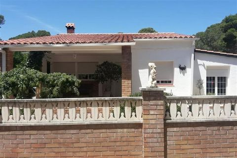 Superb 3 Bedroom House in Tarragona Spain Euroresales Property ID – 9824963 Property information: This property is an excellent 3 bedroom house located in the village of Planes del Rei, Tarragona, Spain. The property includes 3 double sized bedrooms,...