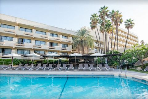 This is a very nice four star hotel located in front of the beach of La Carihuela approximately 300 meters to the centre of Torremolinos. It was completely renovated in 2006 and comprises of two open