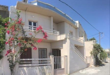 Vryses- Agios Nikolaou Property of a total 259.36m2. It is built on a plot of 245m2. The ground floor is 89.9m2, the first floor is 128.152 and the second floor is 23.21m2. The ground floor consists of a kitchen, a living room, a bedroom and a bathro...
