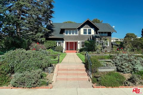 2 blocks from the Ocean on prestigious 400 block of Georgina. Over 1/2 acre. Originally built in 1913, this classic Craftsman has been restored with all new baths and updated kitchen. Period details abound. High ceilings and spectacular natural light...