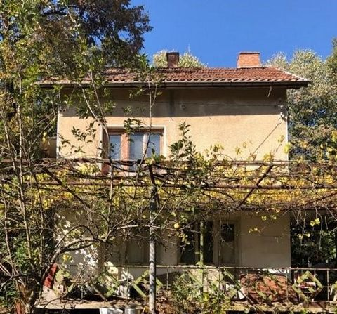 VILEN PROPERTY-M-St Cherry, House-2 flours, brick, built-up AREA-150 sq. m., each floor with 2 rooms and corridor, attic floor, underground garage with canal, own private garden, yard-765 Sq. m., vineyard, fruit trees and cultivated yard, year-round ...