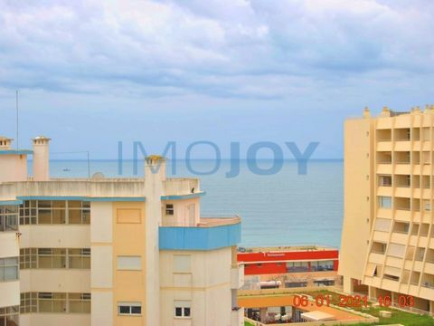 Apartment T0 on the beach of the rock with sea view and 100 meters from the magnificent sandy beach of the rock beach. The apartment consists of a kitchenette at the entrance of the apartment equipped with refrigerator, extractor hood, electric stove...