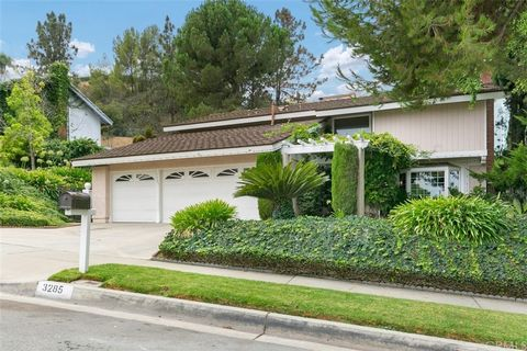 This home is full of charm! Located in one of the best neighborhoods in Hacienda Heights, centrally located to schools and shops. This home has 4 bedrooms, 2.5 bathrooms, and 2,601 square feet of living space. Enter the home through the beautiful cra...