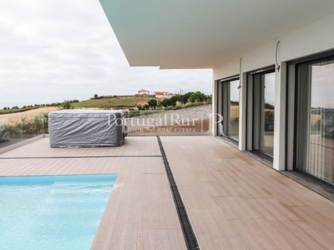The '21st Century Houses' still under construction, located near Areia Branca Beach, in Lourinhã, very close to Lisbon, are distributed between T3 and T4. It is worth mentioning the fact that they are integrated in the western region of Portugal, bei...