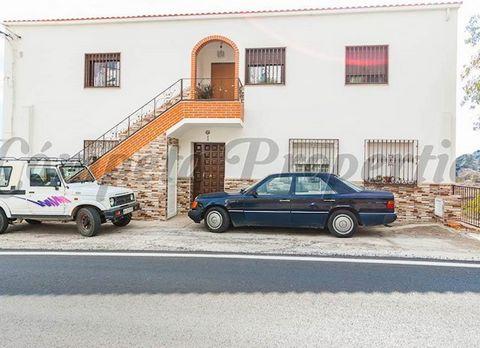 Propiedad en Corumbela. 3 Habitaciones, 1 Baño. y un balcón