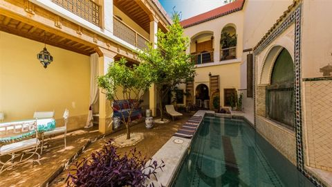 Inside the ancient Medina of Marrakech, close to the Souks and an excellent fruit and vegetable market, a completely rebuilt riad with 3 double bedrooms and a twin, all en suite. A good-sized family holiday home, with a swimming pool and fruit trees ...