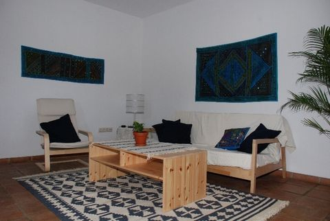 The house is newly built and is located in the historic center of Jimena on a very quiet street very close to the Roman-Arab castle. On the ground floor there is an apartment with one bedroom, living room, kitchen and bathroom and separate entrance....