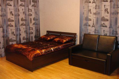 Сдается квартира на длительный срок. Мебель и бытовая техника в отличном состоянии. Имеется высокоскоростной интернет, оплачивается отдельно. В квартире полгода назад сделан капитальный ремонт. Оплата помесячно.