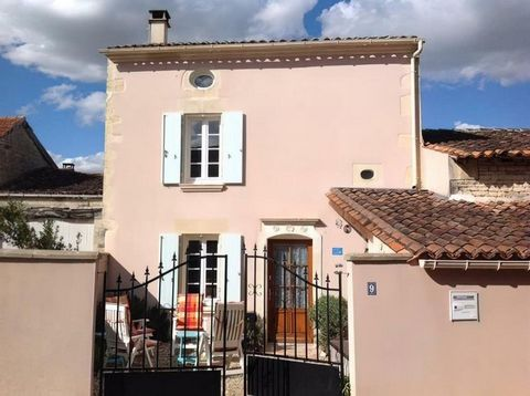 Property Features Bedrooms : 2 Bathrooms : 2 Reception Rooms : 1 Plot (m2) : 105 Habitable area (m2) : 80 Drainage : Fosse septique Heating system : Wood-burning stove and electric heating Taxe foncière (EUR) : tbc Nearest shop : 3km Nearest bar : 3k...