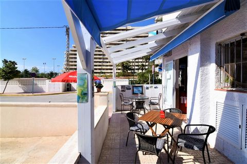 Restaurant in La Fossa Beach, Calpe, just 20 m distance to the sea and 1,8 km distance to Calpe. This 99 sqm local, Has been totally refurbished in 2015 and is comprised of a saloon, industrial full equip kitchen, 3 covered terraces with tables, male...