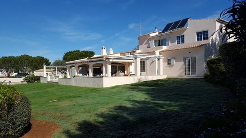 Located in Mexilhoeira Grande. Prestigious villa with many additional features ensurting the ultimate in terms of luxury and comfort! This superb villa should really be viewed to ensure that you discover and experience the high specification- Interna...
