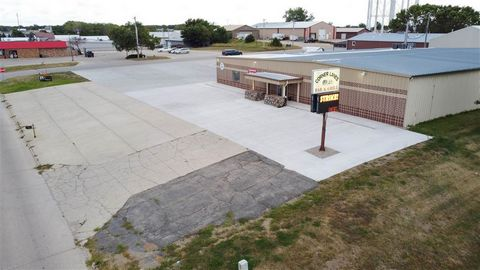 Successful Business, Prime location located southeast of Walmart with 200 feet of Hwy 9/71 frontage. Currently operated as a twelve-lane bowling alley, restaurant, bar/lounge this investment property includes all you need for a thriving business. Wit...