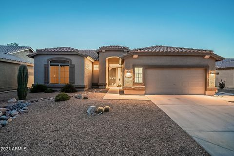 LOCATION LOCATION LOCATION! LOCATED ON THE 4TH FAIRWAY OF MOUNTAINBROOK GOLF COURSE, THIS PROPERTY OVERLOOKS THE POND AND BOASTS MOUNTAIN VIEWS. SITUATED ON AN ALMOST 7,300 SQ FT LOT, THIS 1,970 SQ FT HOME HAS 3 BEDROOMS, 2 BATHROOMS, AN OPEN FLOOR C...