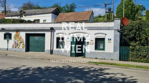 For sale is a former press house with cellar vault which is currently used for organic oyster mushroom breeding. The property is sold together with the business, which can be continued. According to the land register, the property covers an area of a...