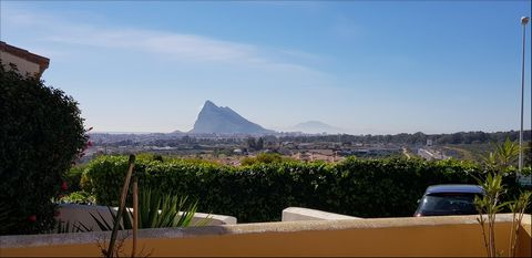 A delightful 3 bedroom family home for rent in the small community of Las Palmeras in Santa Margarita, just 10 minutes from the Gibraltar border. Santa Margarita is also on a bus route into the local town of La Linea. The house is fully furnished. Ki...