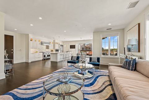 PH 5 in Bronxville's prestigious Villa BXV is truly a wow! This prized penthouse offers an enviable open floor plan, 9 ft ceilings and wide planked hardwood floors. Fabulous living/entertaining space is flanked by a gorgeous linear gas fireplace and ...