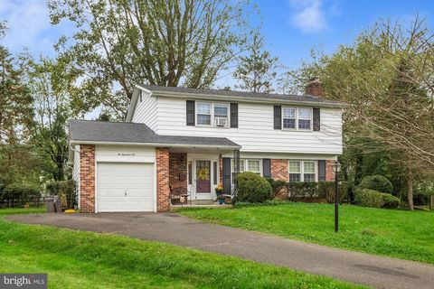 Welcome to 2002 Grace Lane! Beautifully maintained home on a cul-de-sac street in the highly sought after community in Flourtown. Enjoy an open layout with an abundance of natural light. The main level offers spacious living room with cozy fireplace ...