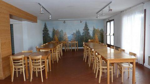 A 742 m d'altitude la résidence Les Myrtilles à Xonrupt, se trouve à 6 km de Gérardmer, à 400 m du lac de Longemer, proche des stations de la Mauselaine (à 6 km), de la Bresse et du Col de la Schlucht. Les commerces et la garderie sont situés à 1,5 k...