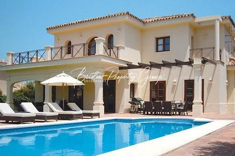 Tres Palmeras is a stunning 4 bedroom villa within the popular coastal area of the prestigious Sotogrande resort. This modern villa is spacious, light and airy and benefits from a sleek fully-fitted kitchen as well as a large lounge and dining room w...