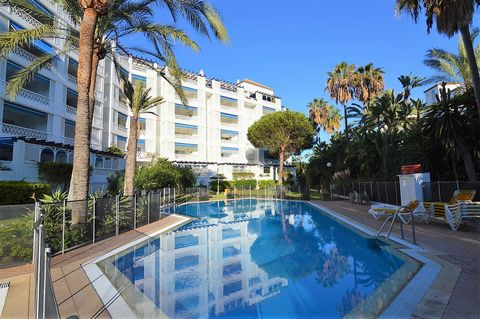 PUERTO BANUS- NOT FOR SHORT RENTAL 2-bedroom apartment available to rent in a luxurious and secure residential complex of Puerto Banus. This ample apartment is located on the 2nd floor and is orientated to the south, maximizing the exposure to the su...
