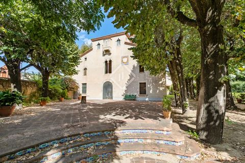 This house is one of Alella´s most emblematic properties, located in the very heart of the attractive wine-growing village. The property dates back to the 14th Century and has been updated numerous times over the years, the most recent of which being...