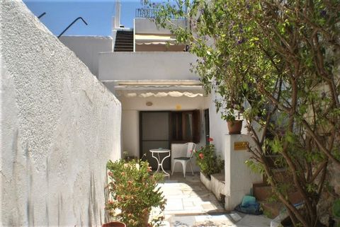 A charming renovated house in the popular village of Kalo Horio, East Crete and within a few minutes drive of some of the areas most beautiful sandy beaches. The property is located on one of the village lanes; it has solar water heating and is being...