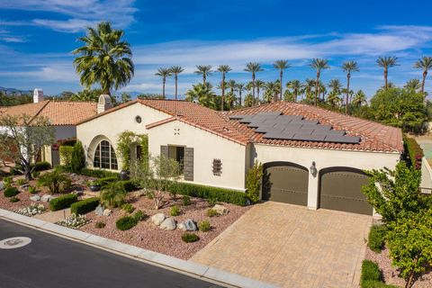 Elegance and sophistication abound in this gorgeous resort style home in Indian Wells. Original Tuscan design refined and updated for a more modern sensibility. The thoughtfully remodeled chef's kitchen features two Miele dishwashers, a Sub Zero wine...