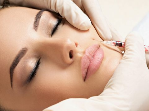 We are pleased to offer a fully licensed aesthetic medical clinic located in the center of Fuengirola. The clinic specializes in high-end medical treatments such as laser hair removal, cool shaping fat removal, micro-needling, botox, and filler treat...