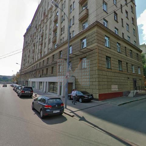 Александр. Без комиссии. Сдается 3-комнатная квартира с дизайнерским ремонтом и красивым видом на Москва-реку. Стиральная машина, посудомоечная машина, холодильник, кондиционер, ванна, гардеробная комната. Охраняемый паркинг во дворе.