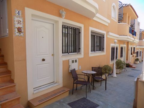 This is a delightful, two bedroom, two bathroom, ground-floor apartment on the well-maintained community of Balcones del Marques in the coastal village of Palomares.  The community has a lovely communal swimming pool and also benefits from allocated ...