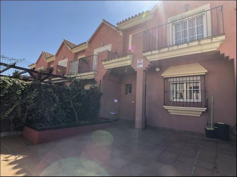 Large 3 bedroom house in Las Mimosas, Santa Margarita for rent. This property is bright and nicely furnished with beige tones and neutral colours to suit everyone's taste. There is a large front patio area with a gated parking bay and a tiled path le...