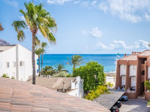 Sea View Apartment, for Sale, Port, Javea, SpainA fantastic 4-bedroom, 2-bathroom apartment on the Arenal to Port road, JaveaThis four-bedroom, two-bathroom, second floor apartment with lift is located in the perfect location just off the Arenal to P...