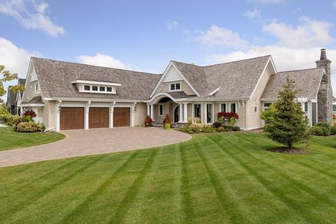 This spectacular home offers a wonderful combination of lake & resort style living! Tastefully designed & expertly constructed, you will be drawn in by the breathtaking views of Lake Minnetonka through the great room's floor to ceiling windows that o...