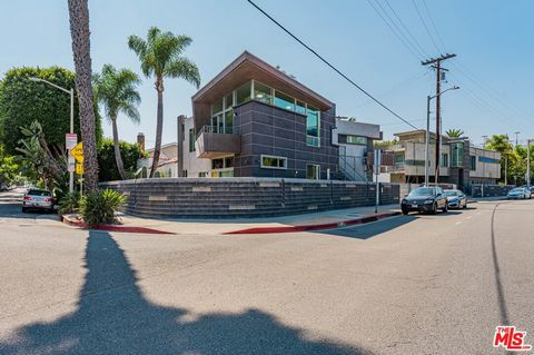 Price improvement -- Seller Motivated! 2 buildings on side by side lots with modern units all VACANT in the heart of West Hollywood. 6 fully furnished and ready to be rented at full market rents, or great family compound. 2 parcels, 6 units plus a no...
