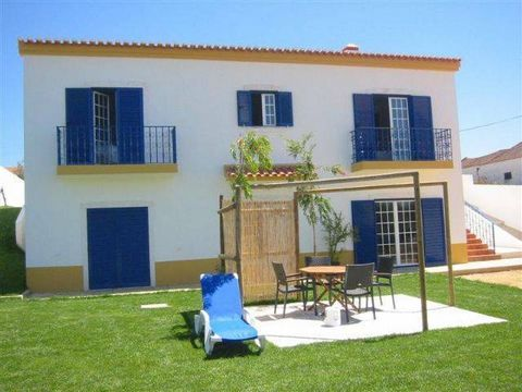 Zoover Award Winner 2010! This villa has a beautiful, sunny location on a small hill and is fully equipped. Everything has been thought like this. So you have WIFI in the whole house and part of the garden. There are several terraces (also covered), ...