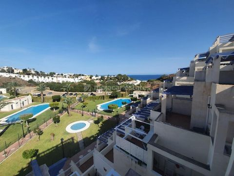 Lovely apartment on Los Atalayones urbanisation with sea views and 3 communal pools plus a tennis court, just a 5 minute walk from the beach. This apartment has 2 double bedrooms and 1 family bathroom. Both bedrooms are a really good size and have fi...