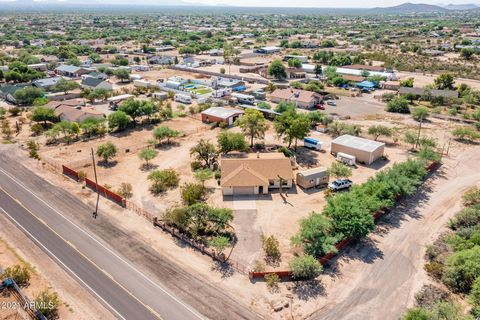 Desert Hills 1.8 Acre Horse Property. Just One Mile North of Carefree Highway (East of 7th St) on Cloud Rd. Great Area! Original Owner 3Bed 2Bath 2Car Garage Corner Lot w/2-Way Access for Ease of Trailer Hauling. Huge 30X40 Detached Shop w/Water & 22...