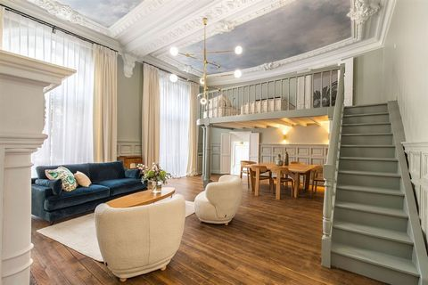 LUXURY APARTMENT - BIARRITZ CENTRE - PLACE CLEMENCEAU - LA GRANDE PLAGE Exceptional apartment located in a prestigious residence downtown Biarritz, a stone's throw from the Place Cléemenceau and the beach La Grande Plage. This luxurious flat is very ...