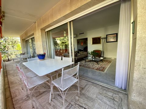 GROUPE VEALYS - CITTADINI Cidelina - 06 48 46 92 25 - EXCLUSIVE- NICE, in the heart of Cimiez, in a luxury residence, beautiful 3-room apartment of over 100m². Each room opens onto an exterior, west side terrace of 30m², very bright. It is made up of...