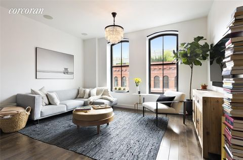 Apartment 6K at the coveted building, 250 West Street, is 1035 square feet of oversized loft living in the heart of Tribeca. Thoughtfully laid out, 6K features a generously proportioned living, dining, and entertaining space. The open chef's kitchen ...